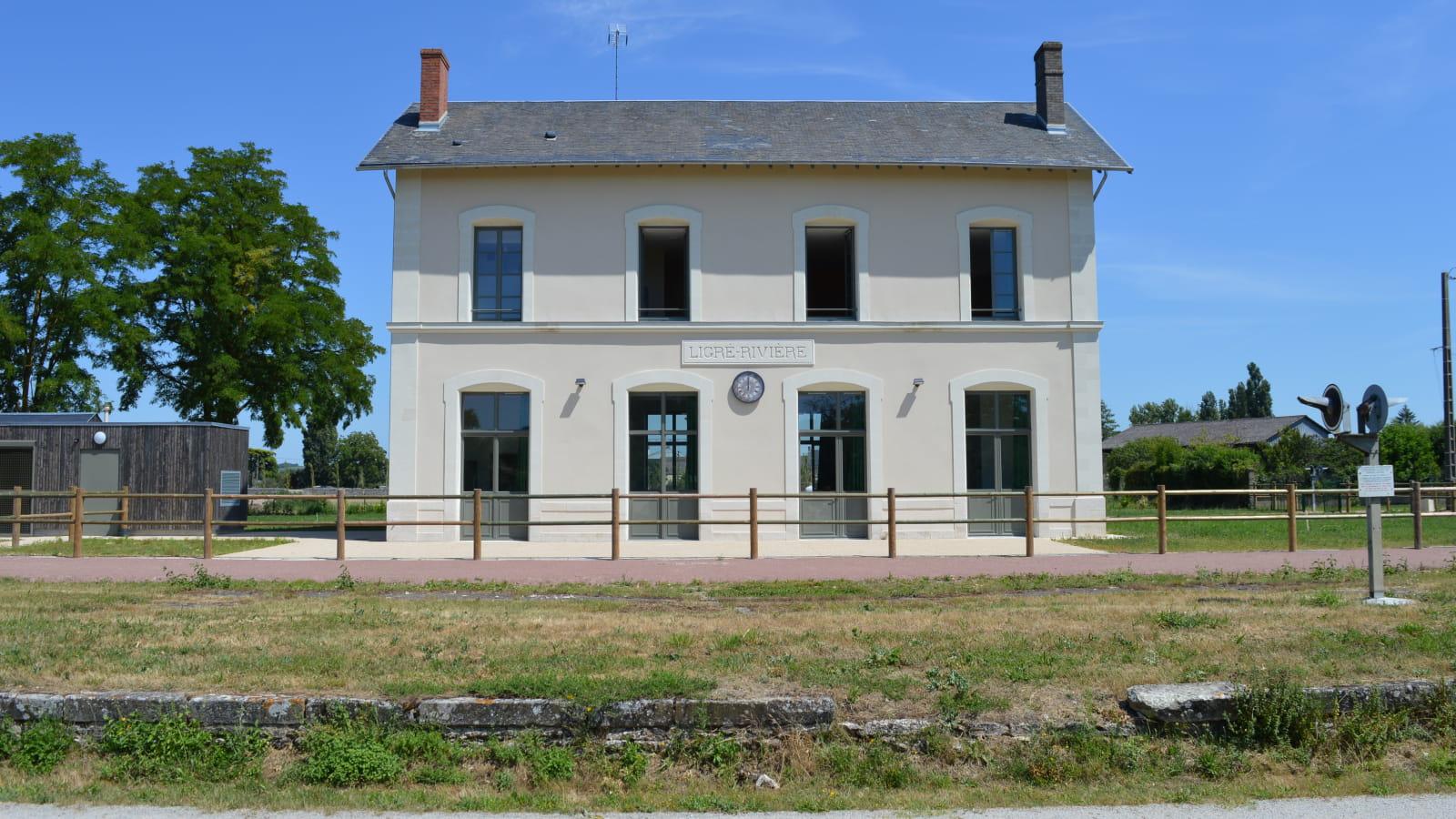 Gîte de groupe ancienne gare de Ligré