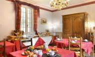 HOTEL RESTAURANT MANOIR DE LA GIRAUDIERE CHINON SALLE PETIT DEJEUNER