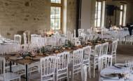 ACVL-Sainte-Maure-de-Touraine-Domaine-de-la-voliere-table-des-maries-dans-la-salle