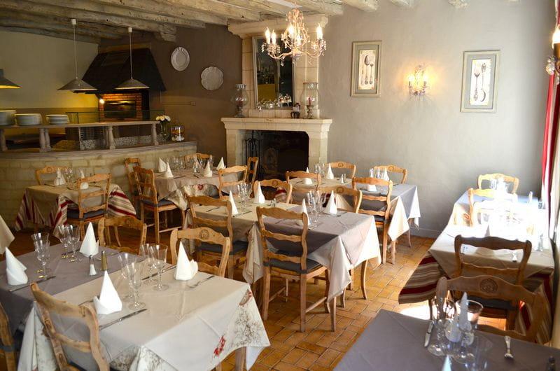 La Table De Jeanne Azay Chinon Val De Loire
