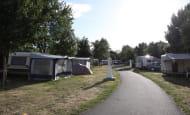 Camping de l'Ile Auger - Emplacements ombragés - Chinon, France.