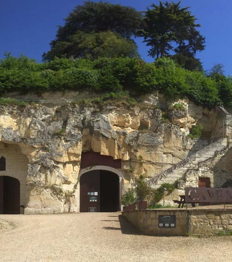 Cave Monplaisir / Monplaisir wine cellar - Chinon, France.