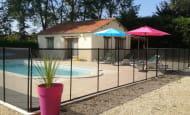 piscine sécurisée et pool-house