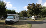 Camping de l'Ile Auger - Camping-car - Chinon, France.